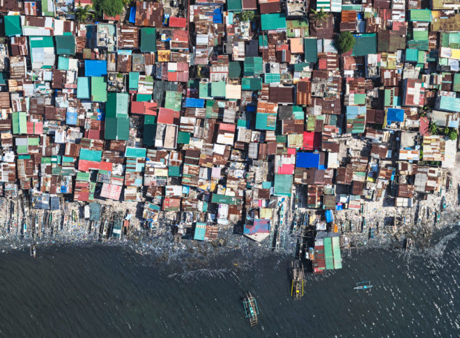 Staggering Views of Manila's Insanely Crowded Slums