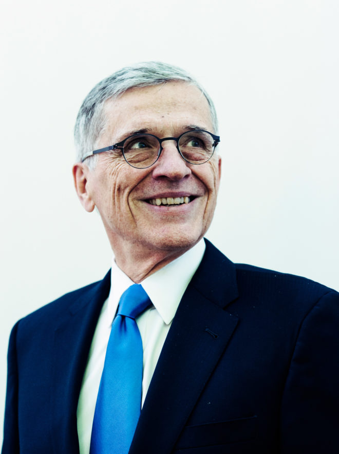 Ex-FCC Boss: Gut Net Neutrality and You Gut Internet Freedom
